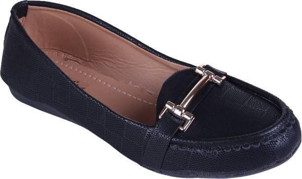 790c413901 Loafers Womens Footwear - Buy Loafers Womens Footwear Online at Best ...
