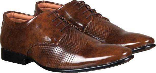 5a104a6f571e53 Men s Footwear - Buy Branded Men s Shoes Online at Best Offers ...