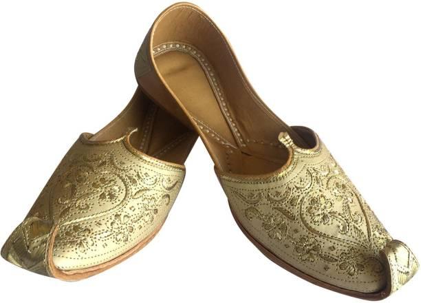 8f5fb3e92177 Step N Style Mens Punjabi Jutti Sherwani Shoes Cream Cut Work Zari Khussa  Shoes Beaded Footwear