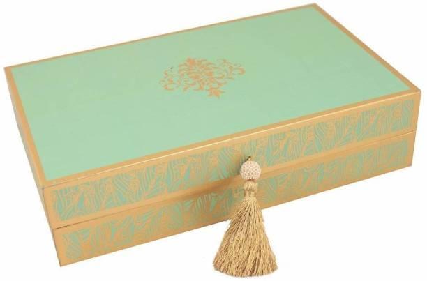 Zoroy Luxury Chocolate Elegant peacock Feather box with 15 Assorted pralines Fudges
