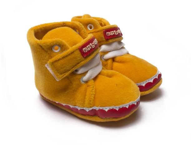 39b1cb4e67f24 Miss   Chief Boys   Girls Velcro Sneakers