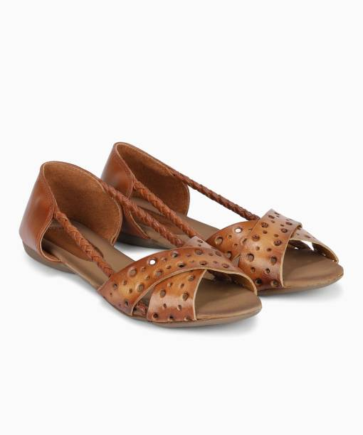 9cbd9f13d498 Catwalk Footwear - Buy Catwalk Footwear Online at Best Prices in ...