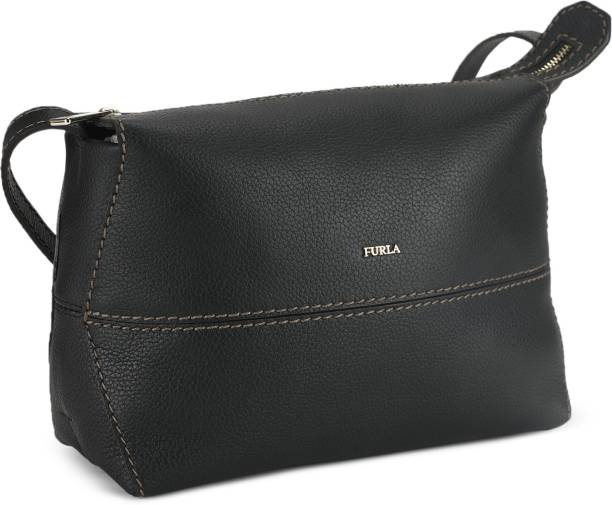 b2beeecce Women Sling Bags - Buy Women Sling Bags Online at Best Prices In ...