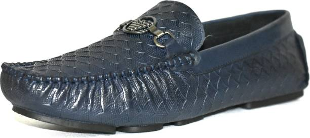 c4439ac7841 Casual Shoes Online - Buy Casual Shoes at India s Best Online ...