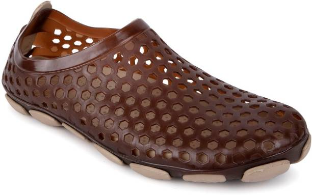 67f1340e9 Crocs Shoes - Buy Crocs Shoes online at Best Prices in India ...