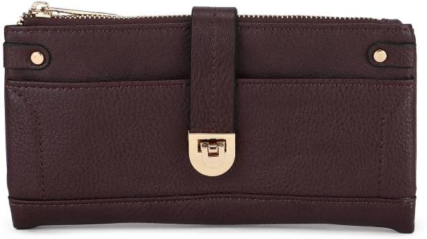 Clutches - Buy Clutch bags   Clutch Purses Online For Women at Best ... 2a600e9e38