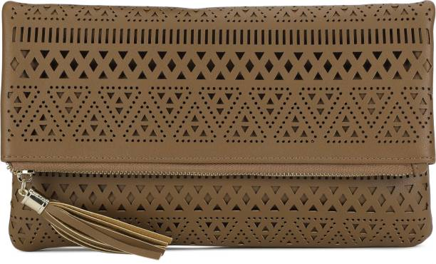 31e06d19ef2f Clutches - Buy Clutch bags   Clutch Purses Online For Women at Best ...
