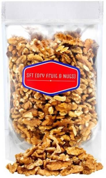 SFT Walnut Kernels (Akhrot Giri) California (Grade - 4 Pieces) Walnuts