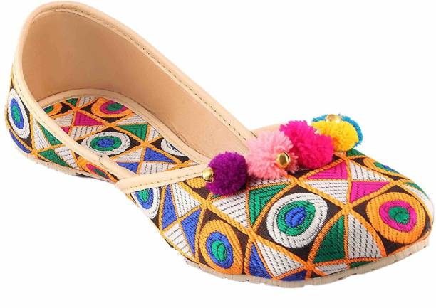 1bee6796ddf4 Women s Ethnic Shoes - Buy Ethnic Shoes for women Online at Best ...