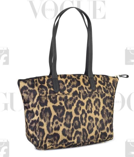 15faecf5a889 Michael Kors Handbags Clutches - Buy Michael Kors Handbags Clutches ...