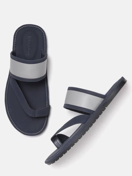 MAST & HARBOUR Men Grey Sandals