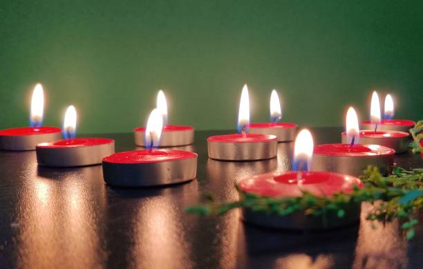 Manogyam Smokeless Red Tealight Candle