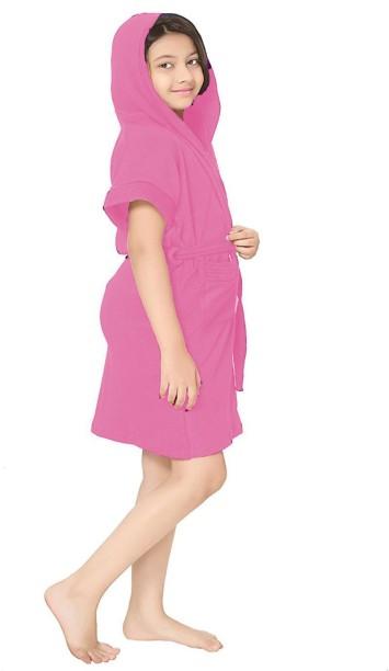 NWT Women/'s Disney Hoodie Wrap Bathrobe Towel Red And Black One Size