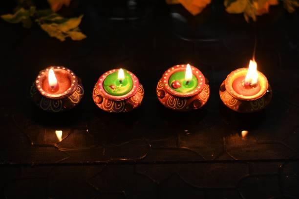 Collectible India Wax Candles Matki Diya For Diwali Gift Pooja Decoration - Handpainted Terracotta Clay Diya For Puja Terracotta (Pack of 4) Table Diya Set