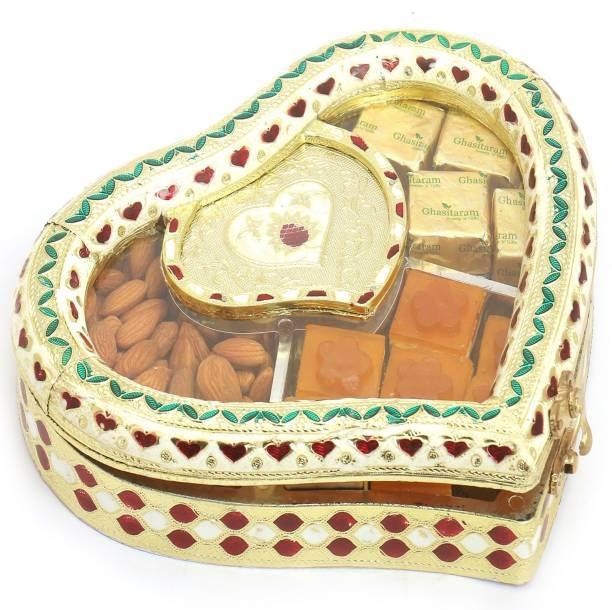 Ghasitaram Gifts Chocolate hampers-dry fruits, Mango Bites and Chocolates Box Combo