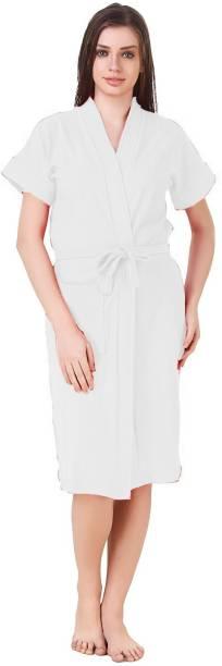 Bombshell White Medium Bath Robe