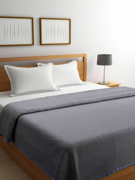 Raymond Home Solid Double Woollen Blanket