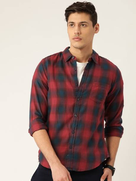 United Colors of Benetton Men Checkered Casual Maroon Shirt