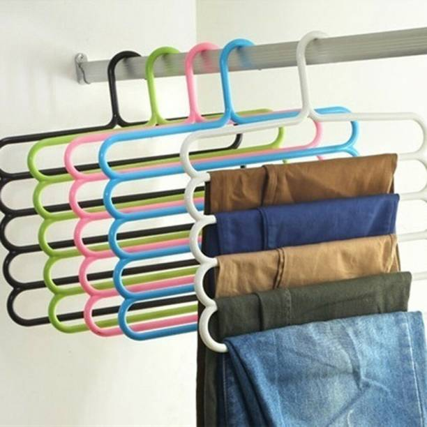 mechdel Plastic Pack of 5 Hangers