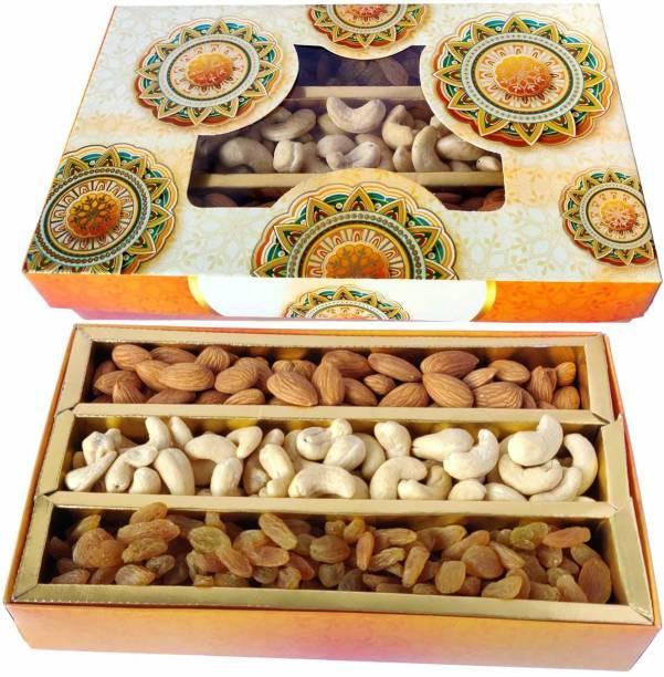 Maalpani Dry Fruits Box Gift Pack | Gift Hamper Combo | Festival | Events | Days | Occasion | Birthday | Anniversary |Rakhi | Valentine Day | 50g Kaju , 50g Badaam , 50g Kishmish | 150g Dryfruits Almonds, Cashews, Raisins