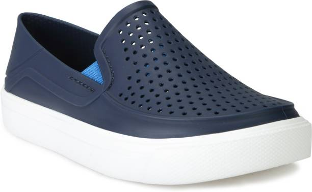 CROCS Boys Slip on Sneakers