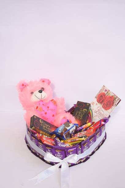 Uphar Creations Cadbury Heart Shaped Chocolate Birthday Bouquet For your dear and Near Ones | Birthday gift items| Cadbury Gift Items| Combo