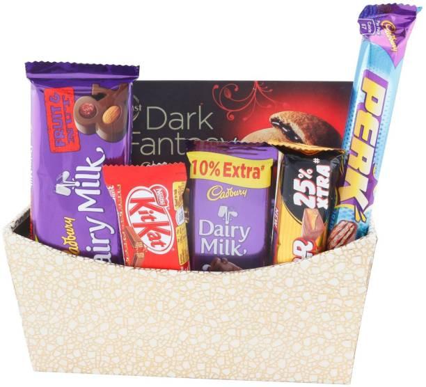 SurpriseForU 7 Pieces Premium Chocolate Celebration With Beautiful Wooden Basket| Chocolate Gift for Rakhi, Diwali, Anniversary, Birthday, Christmas, Valentine, Her, Him | Chocolate Gift Hamper | 7 Bars