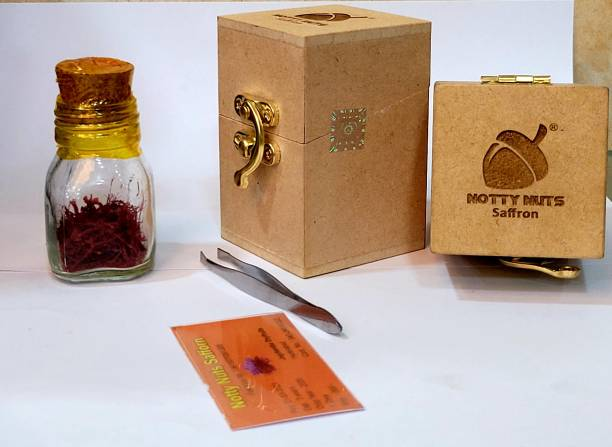 Notty Nuts Pure, Natural and Finest A++ Grade 1 Gram Kesar / Saffron Threads - Pack of 1