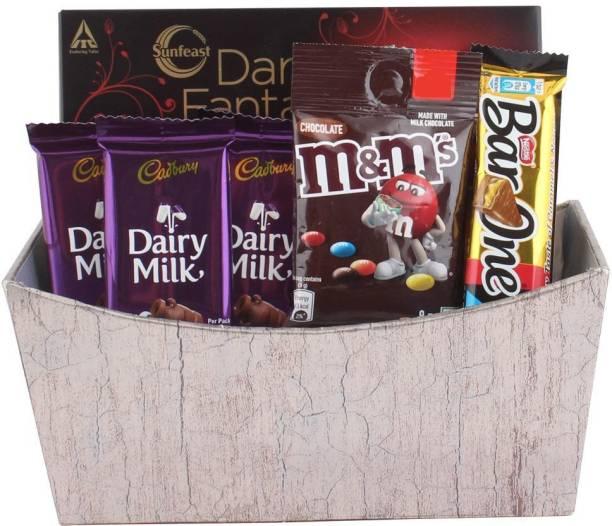 Cadbury Chocolate Gift Hamper for Birthday, Diwali, Anniversary, Holi, Rakhi, Christmas, New Year | Chocolates With Chocolates Bars
