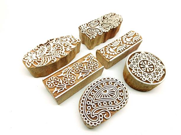 PRANSUNITA Wooden Printing Stamps – 6 Hand Carved Attractive Shapes for Fabric Printing, Clay Pottery, Crafts, Body Tattoo, Scrapbook Print and More- Pack of 4 Flower & 2 Border Designs Wooden Stamps
