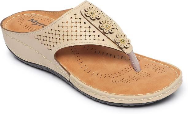 myra Women Beige Sandals