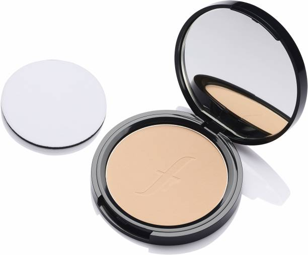 FACES CANADA Weightless Stay Matte Compact SPF-20 Vitamin E & Shea Butter Compact