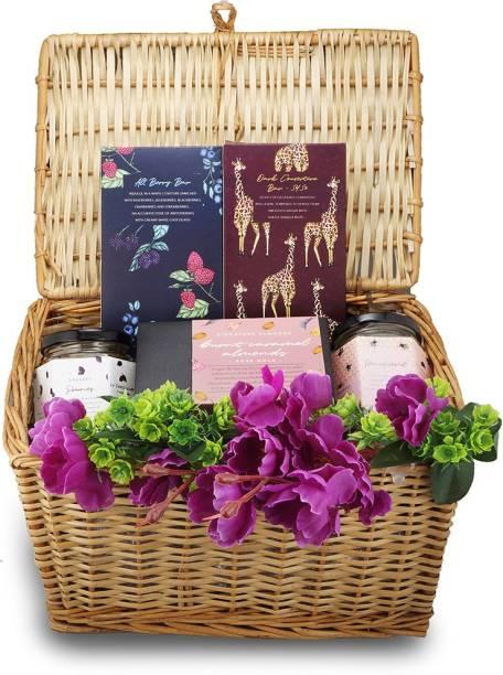 la chocoallure Chocolate Treasure Basket Gift Hampers Bars, Truffles