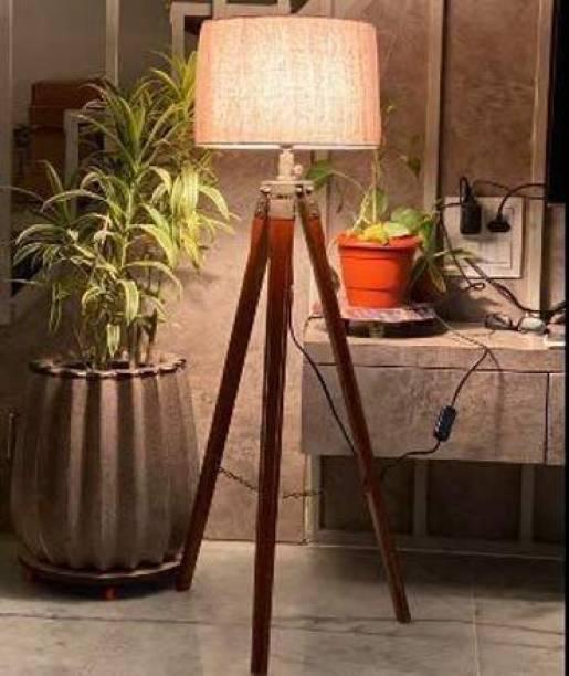Noor Hub Tripod Floor lamp