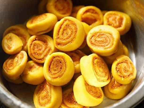 FreshoCartz Special Gujrat Mini Bhakarwadi / Bhakarvadi (Namkeen/ Snacks/ Crunchy, Crispy and Flavourful) [Free Delivery]