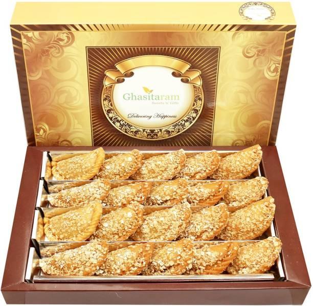 Ghasitaram Gifts Sweets- Roasted Oats Gujiya 800 gms Box