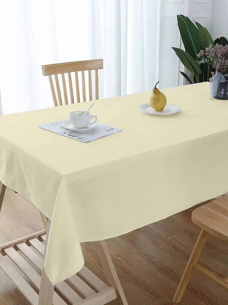Lushomes Plaid 6 Seater Table Cover