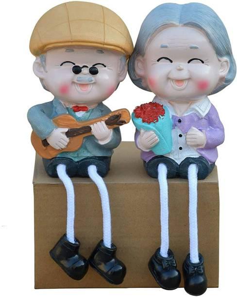 Saugat Traders Resin Old Couple Grandparents Showpiece, Standard, Multicolour, 1 Piece Decorative Showpiece  -  12.7 cm