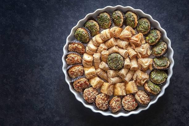 Dessert Drama Authentic Unique Assorted Baklawa sweets– 4 types | Ready to Eat Desi Dessert|Fresh Dry Fruit Pastry Mithai made with pure Desi ghee, Almonds, Cashew, Pistachio (Badam, Kaju, Pista) |Unbreakable Designer Box packaging | Premium Gift hamper for festivals, Diwali, Holi, Rakhi Box