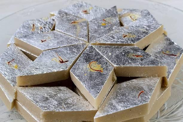 Dessert Drama Kaju Katli Mithai | Authentic Traditional Indian Sweets | Ready to Eat Dessert / Barfi / Burfi | Fresh Home-Style Kaju Katli pack made with Desi ghee and best cashews | Unbreakable Designer Box packaging | Best Gift hamper for festivals, Diwali Box