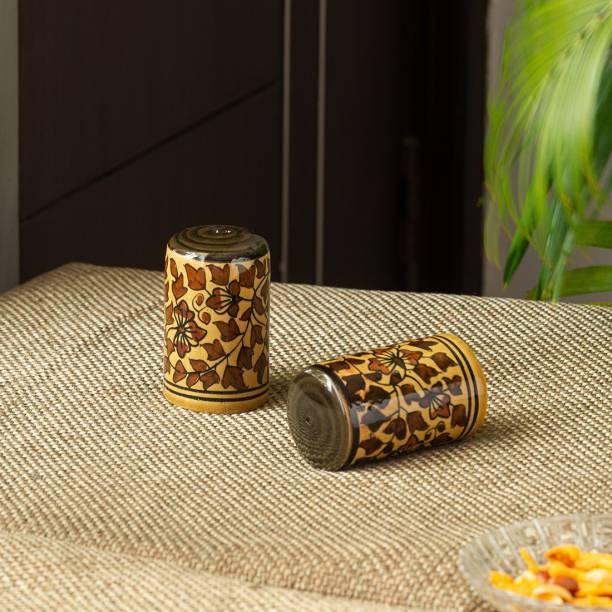 ExclusiveLane Handpainted Ceramic 2 Piece Salt & Pepper Set