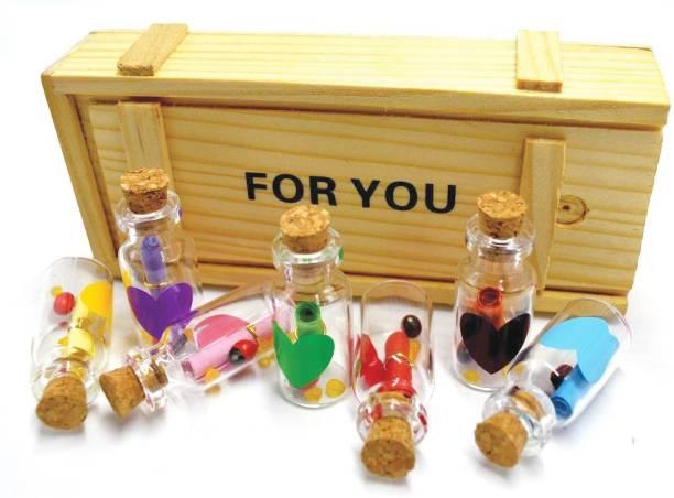 Nyaro Love Message Bottle Box (Set of 7 ) Greeting Card