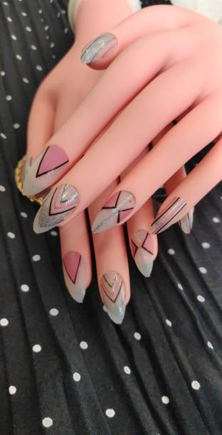 business venture 18 PC/Set Designer Reusable Artificial Nail/Nails with glue. Nail extension tips colourful
