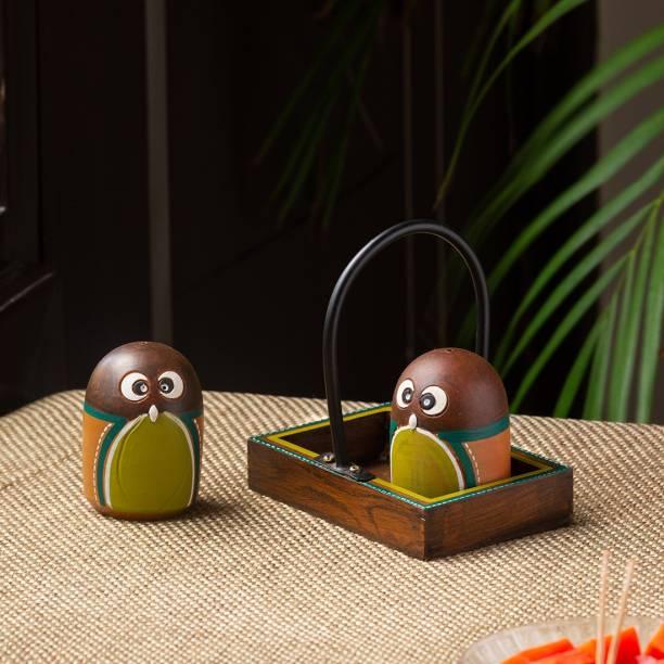 ExclusiveLane 'The Owl Pair' Handpainted Terracotta 2 Piece Salt & Pepper Set
