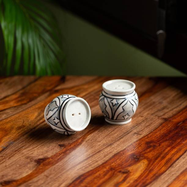 ExclusiveLane 'Arabian Nights' Handpainted Ceramic 2 Piece Salt & Pepper Set
