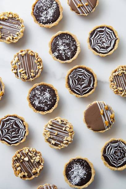 Waffle House Chocolate Tarts - Oreo & Caramel Filling, 100% Vegetarian, Eggless, with no preservatives and no artificial colors, Freshly Baked, 340 gm Cookies