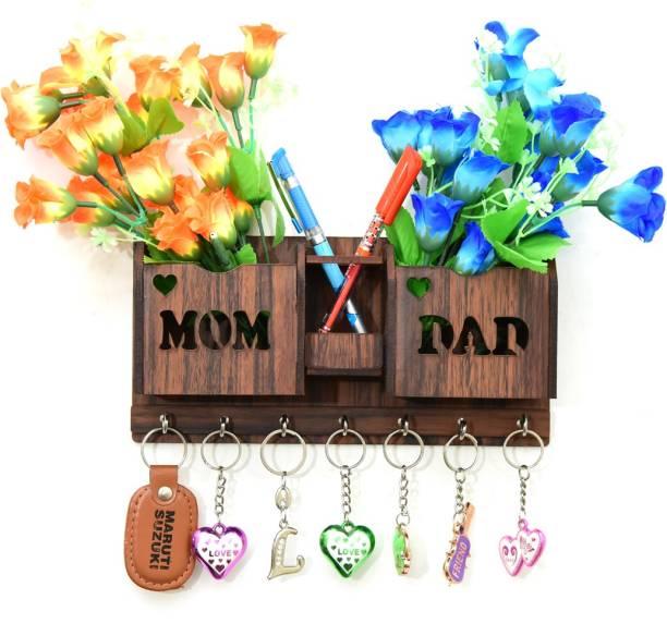 KWF INTERNATIONAL MOM DAD Wood Key Holder