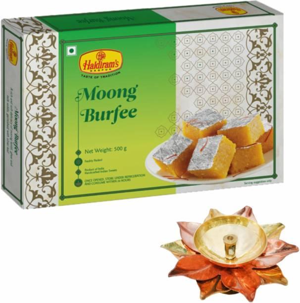 Haldiram's Moong Burfee 500 g with Small Diya Assorted Gift Box