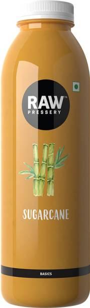 Raw Pressery Sugarcane Juice