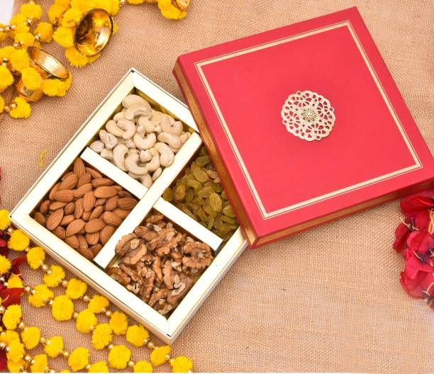 PRIDE STORE Diwali Dry Fruits Gift Pack, 300gm [Cashew, Almond, Walnuts and Raisins] - Healthy & Perfect Gift Hamper for Every Occasion | | Diwali Dry Fruits Gift Hampers Pack | Diwali Festival Celebration | Deepawali Gift Pack For Family, Friends, Birthday Corporate Office Gifts Combo Paper Gift Box